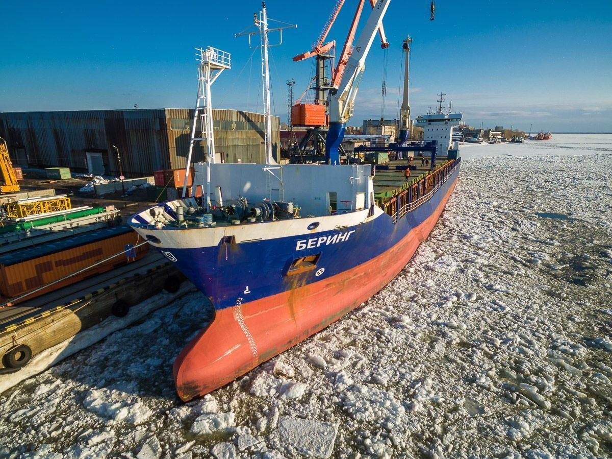 M/V BERING DELIVERED THE DRILLING RIG FOR THE ARCTIC LNG2 PROJECT TO THE PORT OF ARKHANGELSK