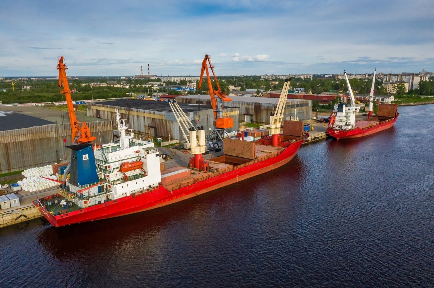 Northern Supply Haul: delivering cargo to the Arctic
