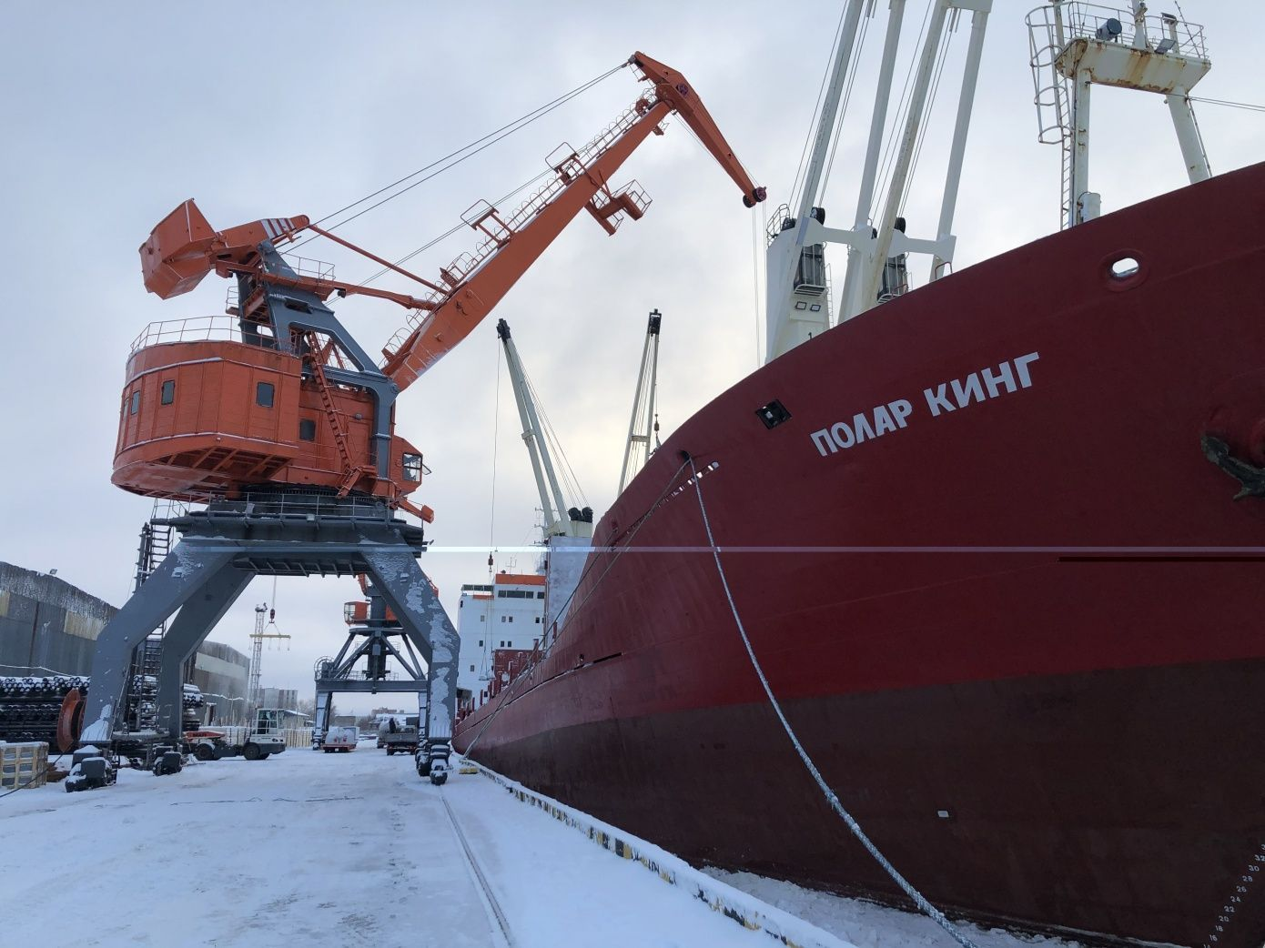 Polar King delivers cargo to Sabetta
